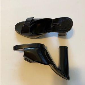 Gucci black leather heel sandal